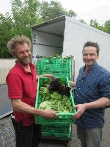 Stefan Schumacher liefert in der Hauptsaison täglich frisches Gemüse direkt ins Oecotop.